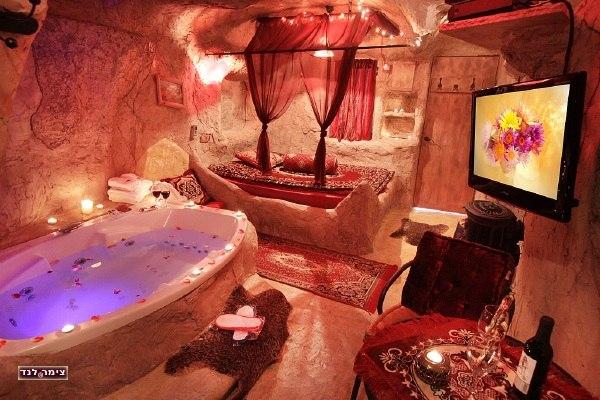 צימר המערה- הצימר המקורי, מעוצב באופי אותנטי משובח ויוקרתי לחוויה מיוחדת וקסומה לעוד פרטים על צימר המערה בחוסן הקליקו כאן